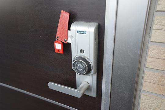 いすゞの寮のドア