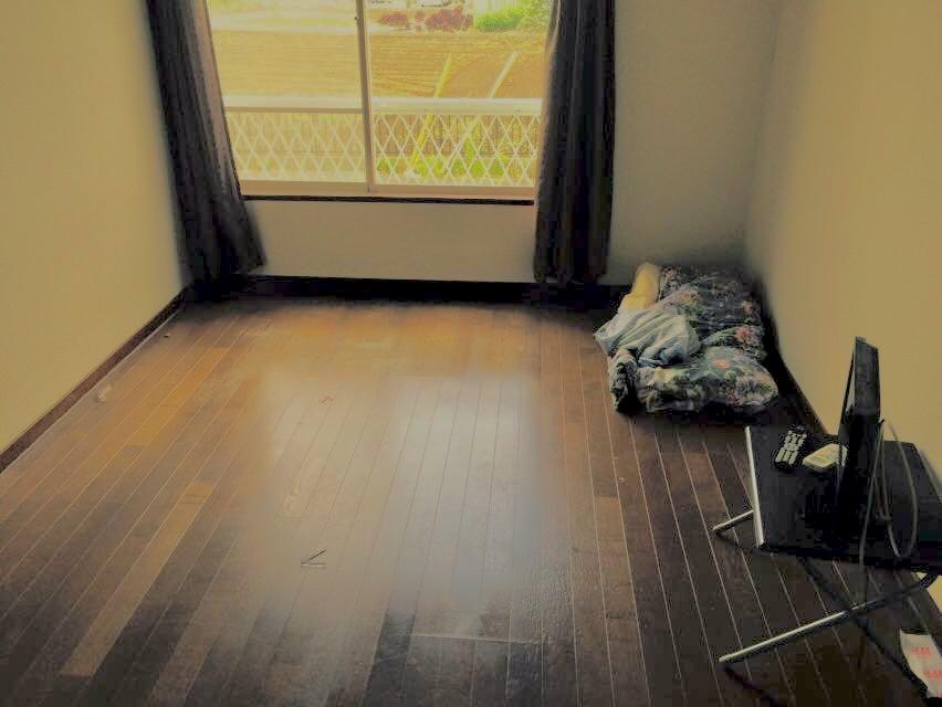 いすゞの寮の居間